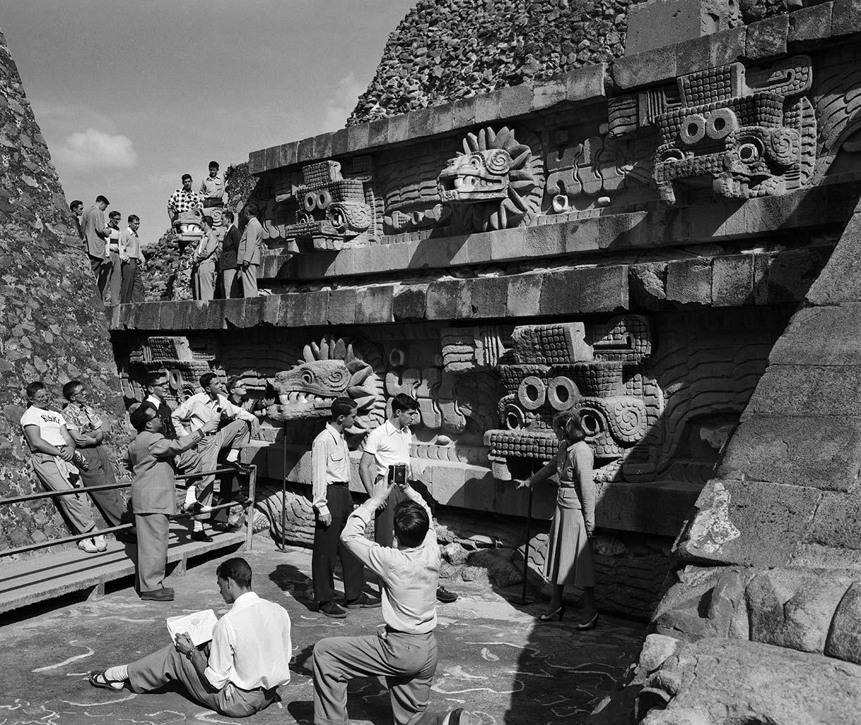 FJG_2012_01_16_020_T5_b-Kiski-en-Teotihuacán